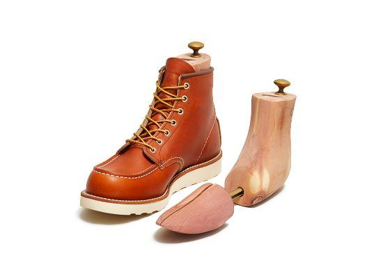 Cedar Boot Tree product photo