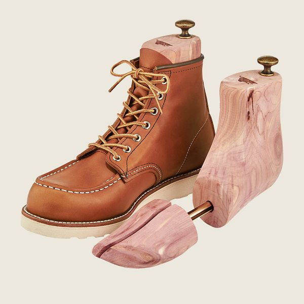Cedar Boot Tree Product image