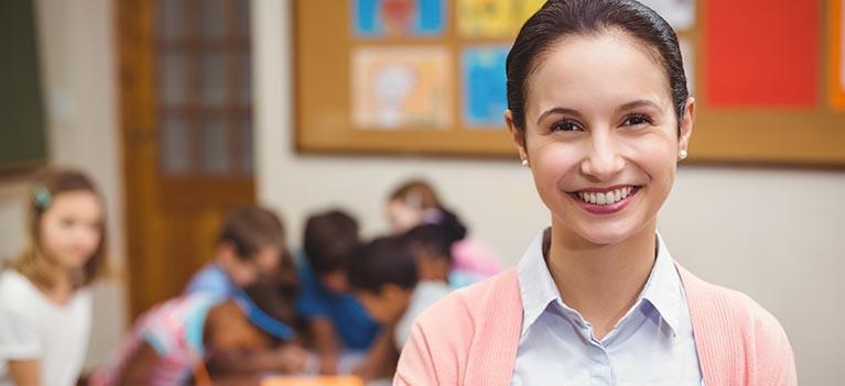 class-behind-teacher