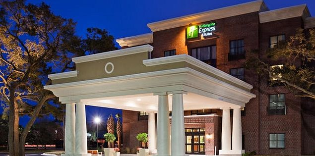 Holiday Inn Express & Suites, Mt. Pleasant-Charleston