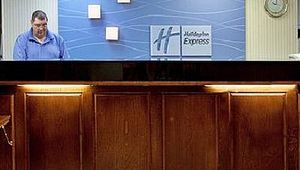 Holiday Inn Express - Exit 27 - Anderson