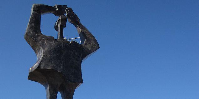 Tall sculpture in Summerville, South Carolina