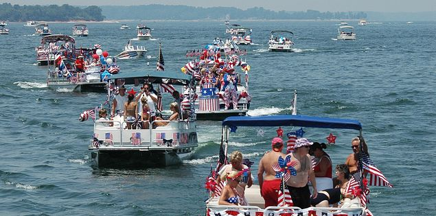Have a blast with your family at boat parades in South Carolina!