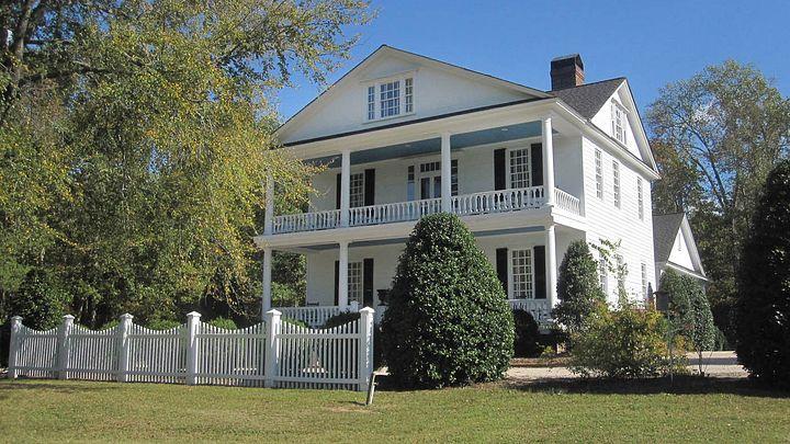 exterior of the Kilburnie home