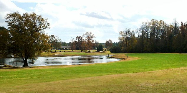 Eighteenth hole at Fox Greek Golf Club in South Carolina