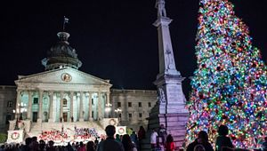 Governor's Carolighting
