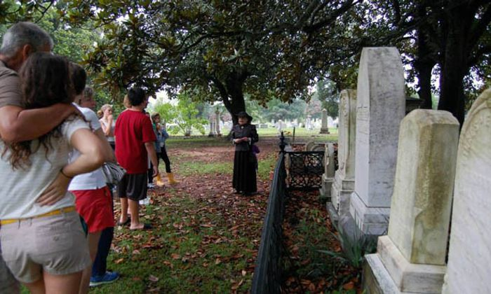 Moonlight Cemetery Tours