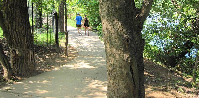 Cayce Riverwalk in Columbia, South Carolina vicinity