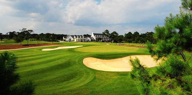 South Carolina's Pine Lakes 18th hole and Clubhouse