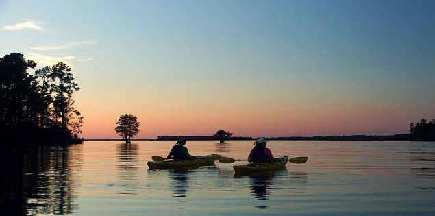 kayaking lake moultrie