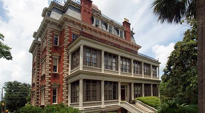 Charleston Offers Rooms to Fit Every Budget, Taste and Style