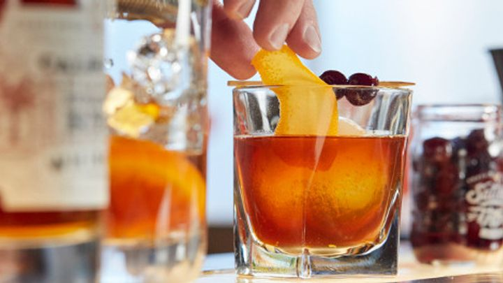 cocktails old fashioned