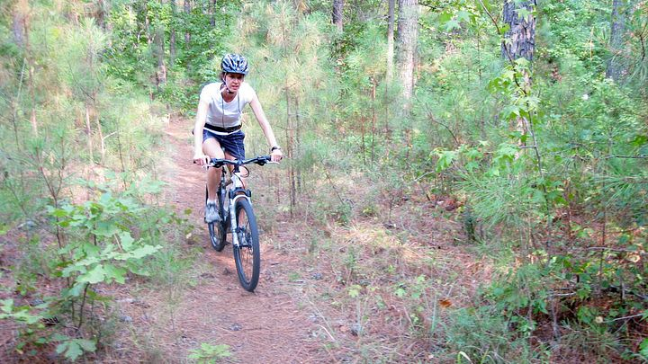 Beaver Run Trail mountain biker in Hickory Knob State Park