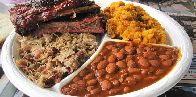The rib dinner at Bucky's Bar-B-Q in Greenville, South Carolina