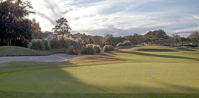Enjoy beautiful views at golf courses in Hilton Head, SC.