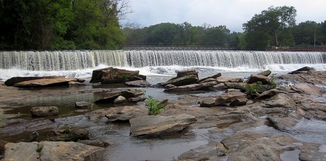 Clifton Park and Beach's spillway on the Pacolet River
