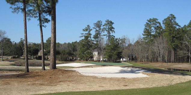 The Links at Lakewood in Sumter features a par-5 double-dogleg 15th hole