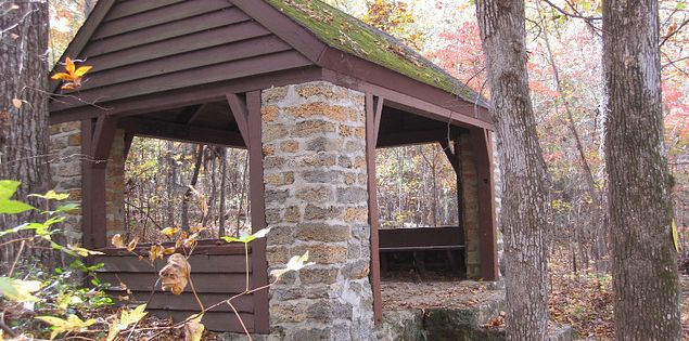 Building shelter on trail in Poinsett State Park