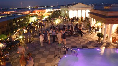 Charleston Nightlife: Enjoy a Cocktail from a Rooftop Bar, Sing Along with a Local Band or Seek a Thrill in a Late-Night Cemetery Tour