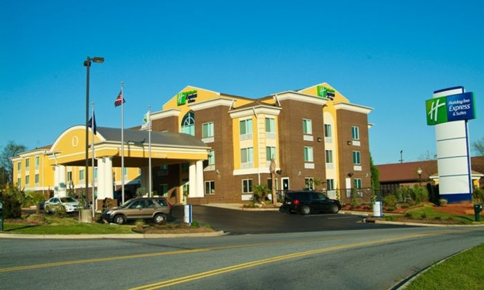 Holiday Inn Express & Suites -  Exit 19B - Anderson