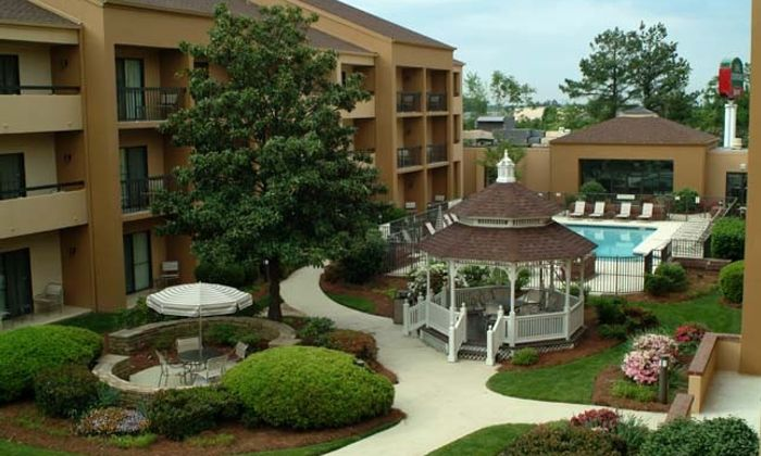 Courtyard by Marriott Greenville Haywood Mall