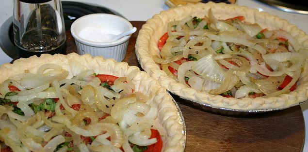 Tomato Pie with sweet onion