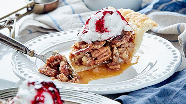 south carolina pecan pie with ice cream