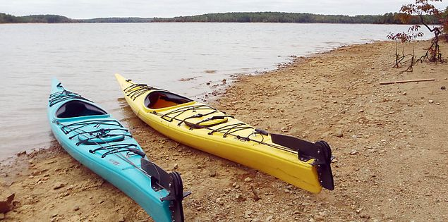 Kayaks on the beach on Lake Russell