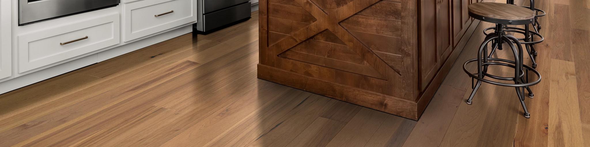 Hardwood-Epic-Plus-ExplorationHickory-SW740-01103-Dune-Kitchen-2020