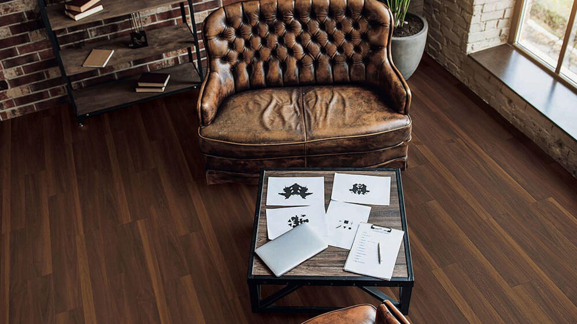 BISCAYNE OAK EVP Vinyl Flooring Product Scene