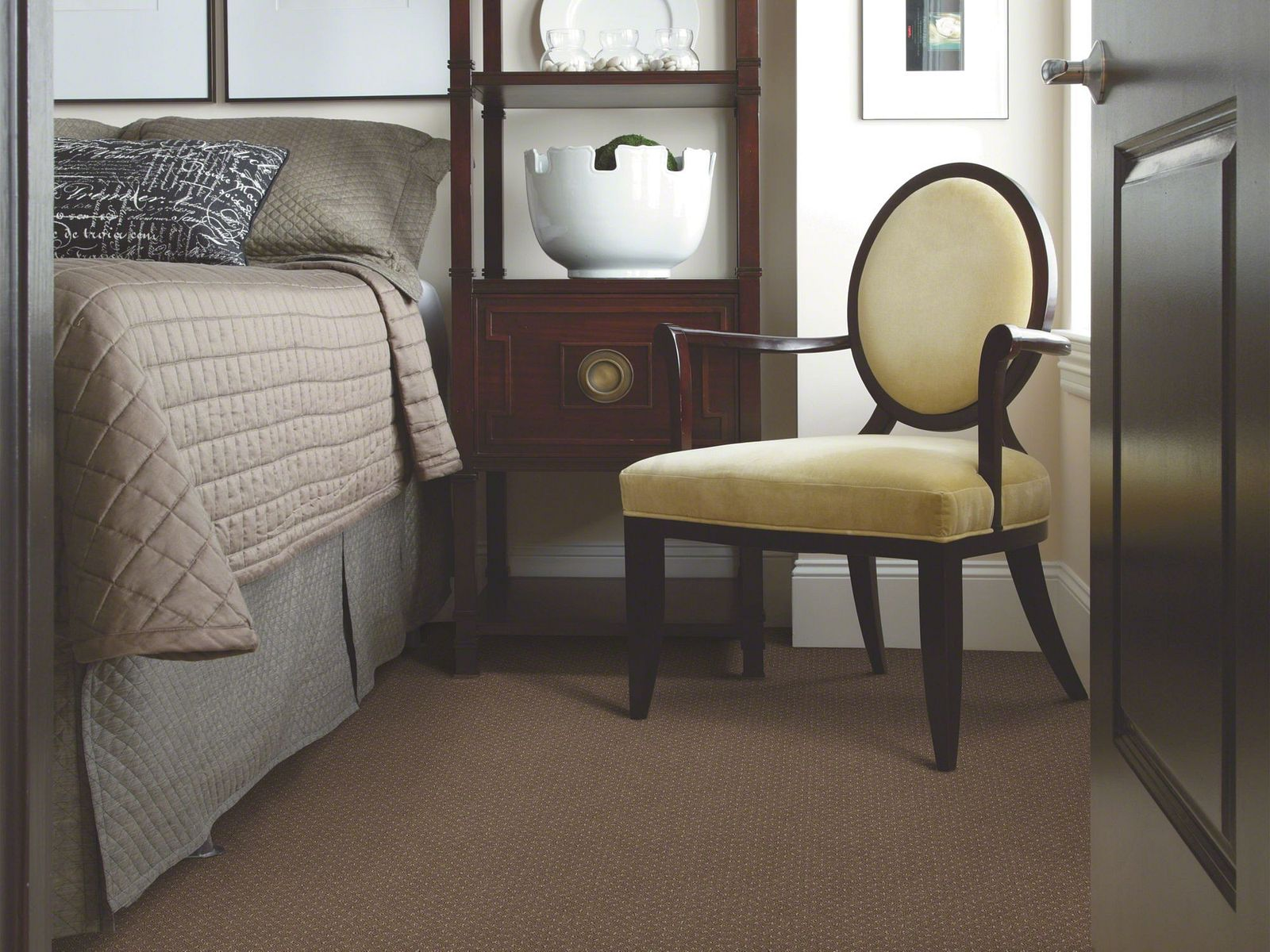 EA500 00704 carpet Room Scene