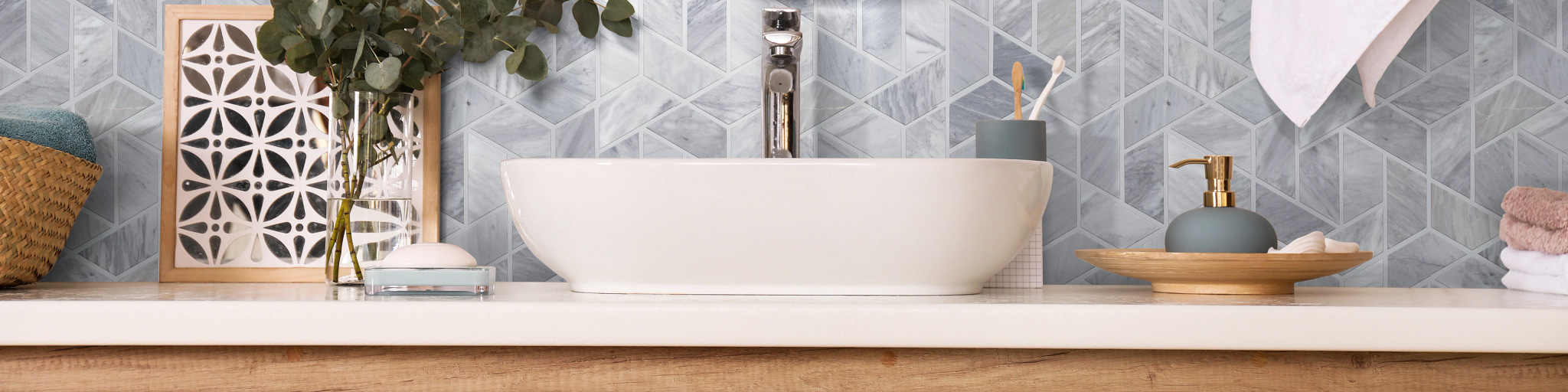 Tile-and-Stone-Chateau-Double-Hexagon-Mosaic-380TS-00555-Bathroom-Backsplash-2021