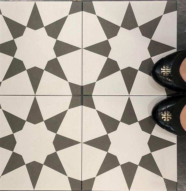 Designer Spotlight Easy as 123 Starburst Feet.JPG
