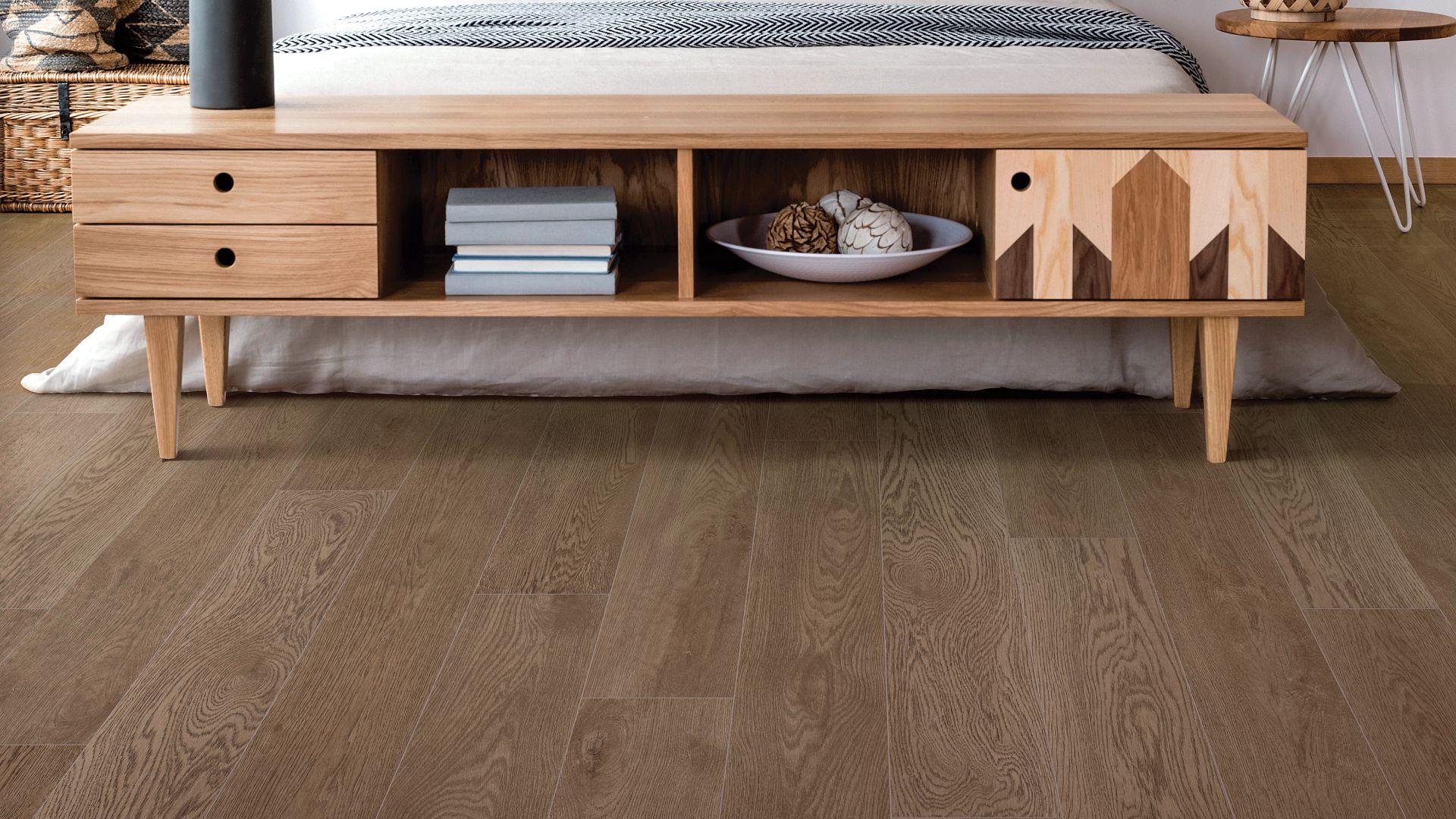 Garamond Oak EVP Vinyl Flooring Product Scene