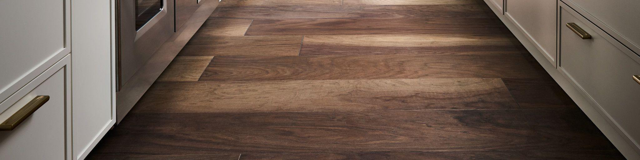 Epic Plus Extreme Nature Hardwood, Landmark Walnut