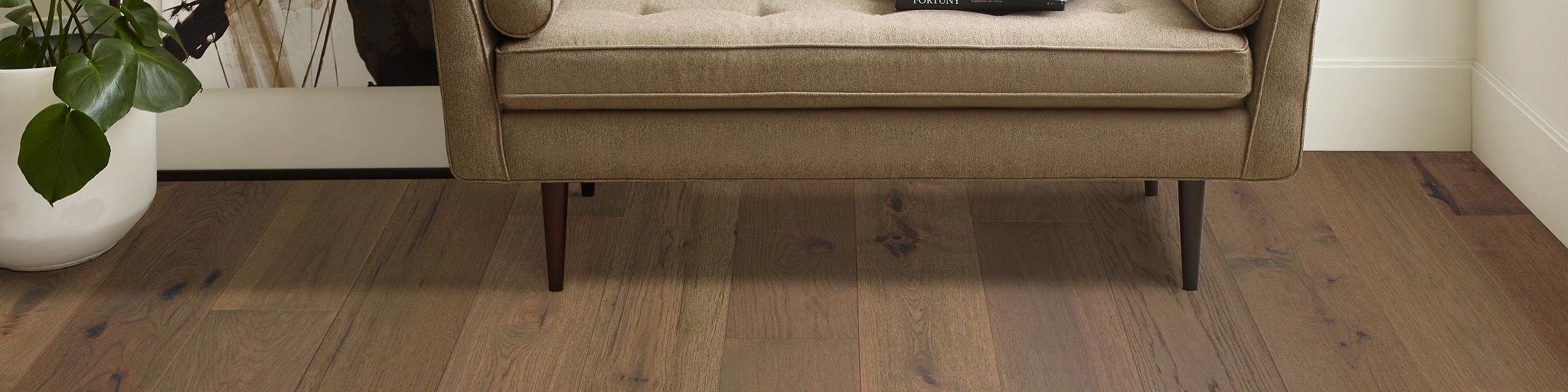 Hardwood-Anderson-Tuftex-ImperialPecan-AA828-17036-Hazel-7.5in-Living-Room-2020-SWS