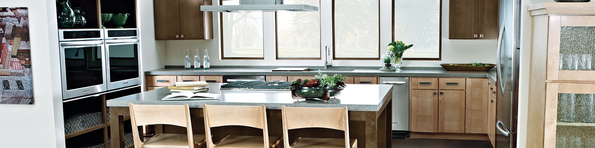Hardwood-WaywardHickory-403TB-07073-Pumice-Kitchen-2020