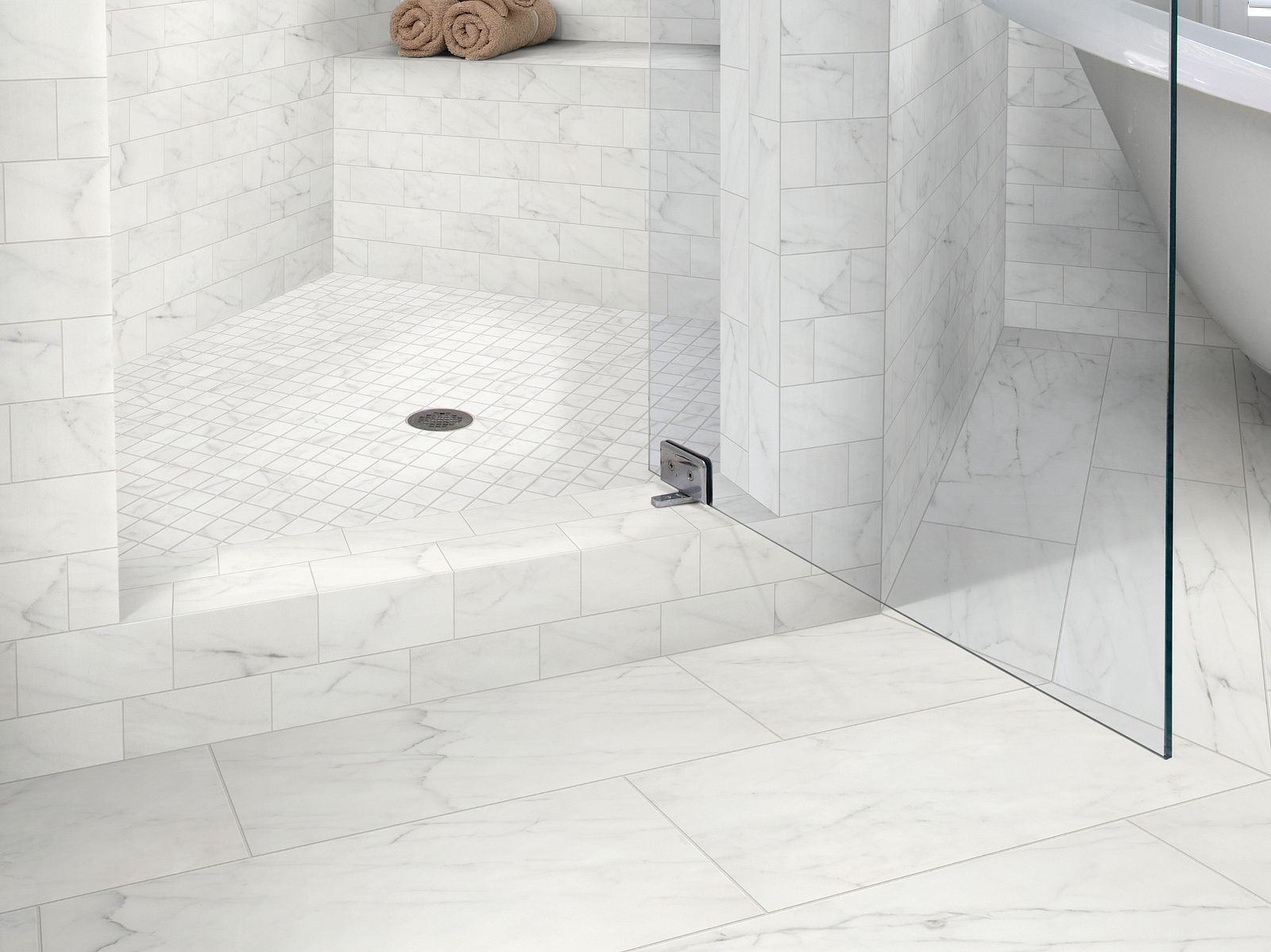 CS16M 00150 tile-and-stone Room Scene