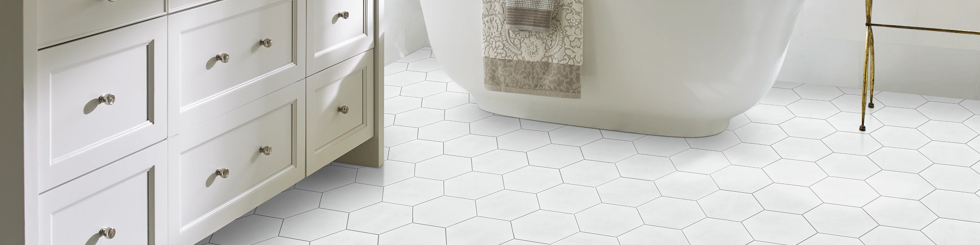 Tile-and-Stone-Revival-Hexagon-327TS-00100-Ivory-7x8-Bathroom-2020