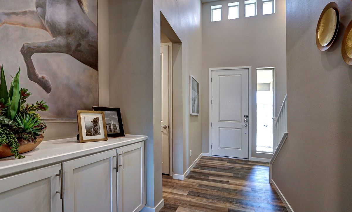 Trilogy Summerlin Reflect Entry Way
