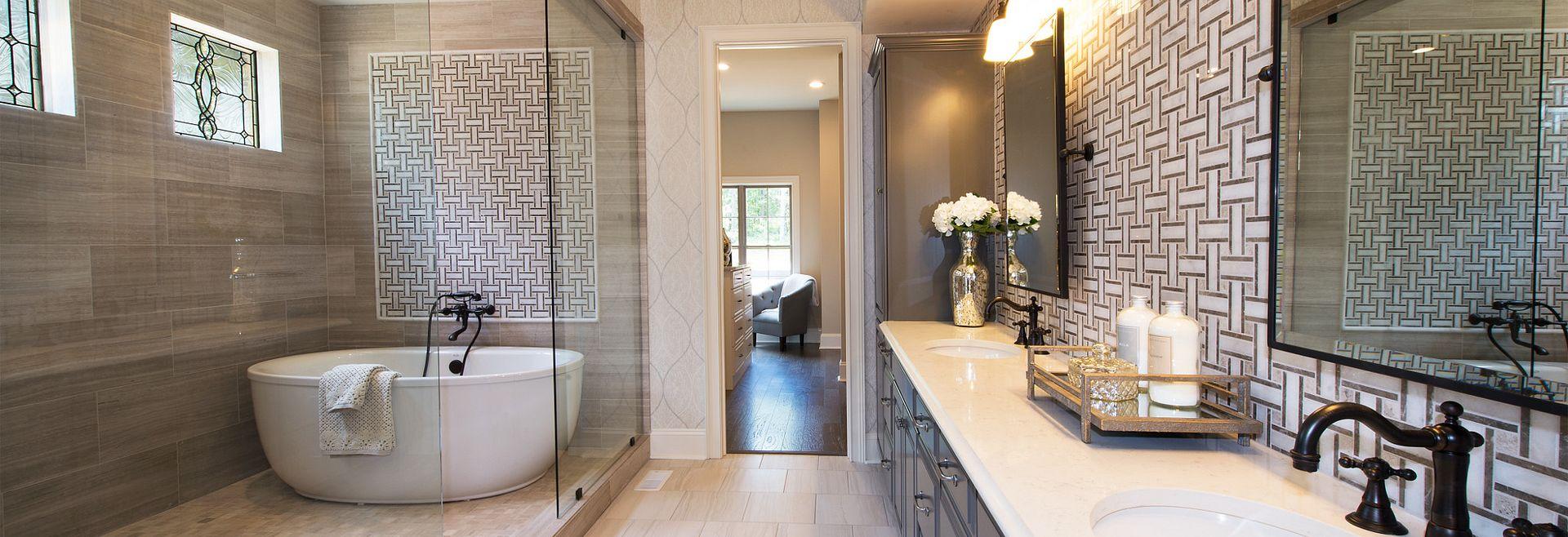 Grayson Owner's Spa Bath