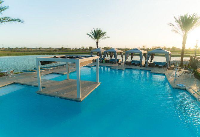 Meridiana Pool