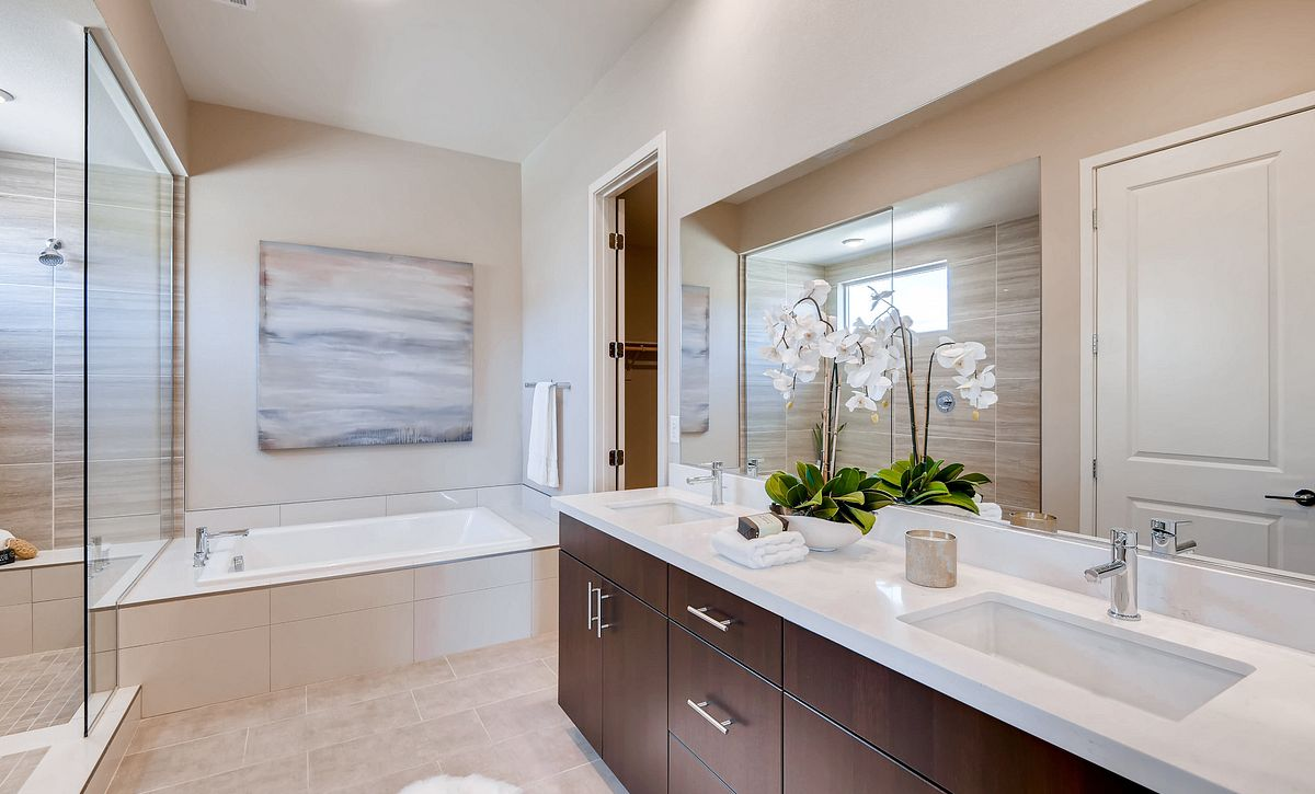 Trilogy Summerlin Luminous Master Bath
