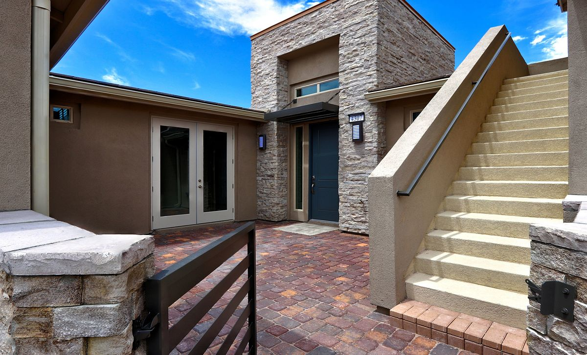 Trilogy Summerlin Explore Front Courtyard