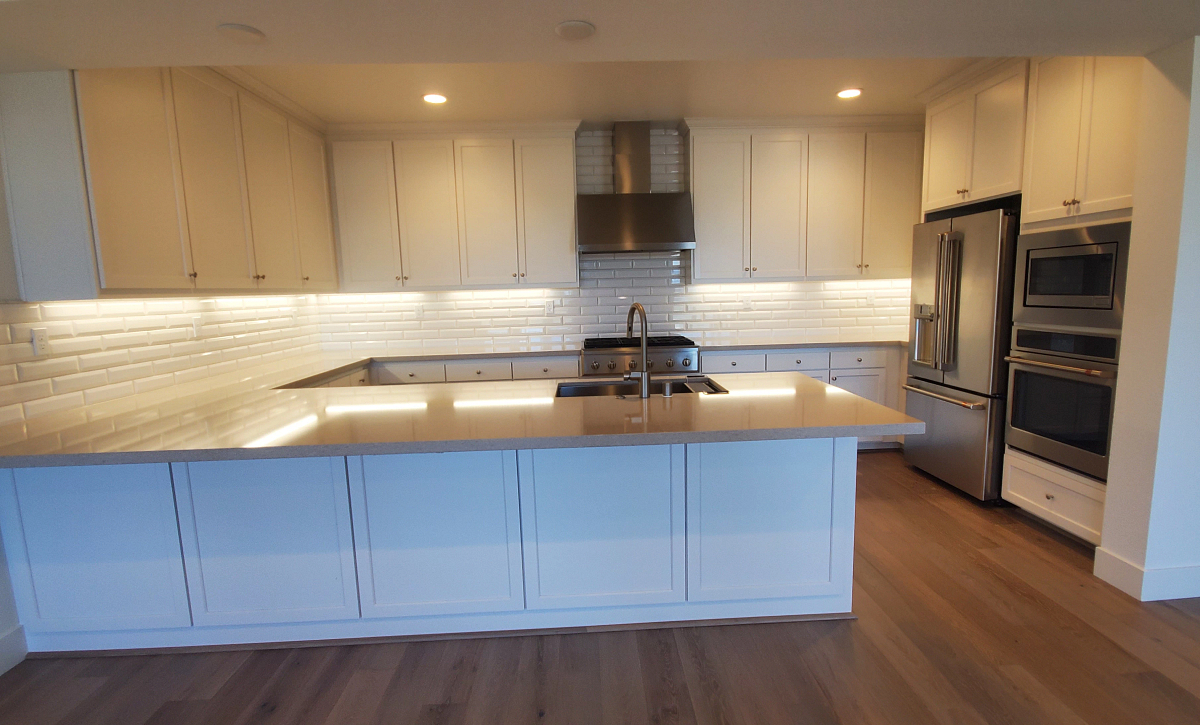 Waterline Homesite 810 Kitchen