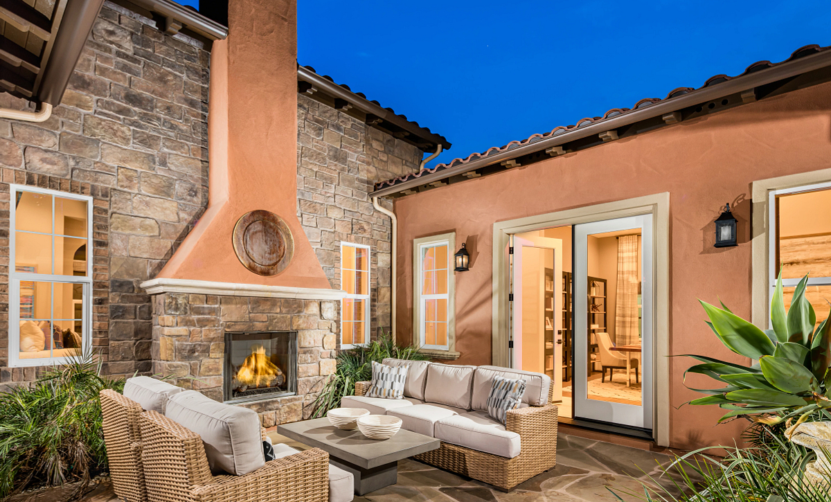 Trilogy Monarch Dunes Dolcetto Entry Courtyard
