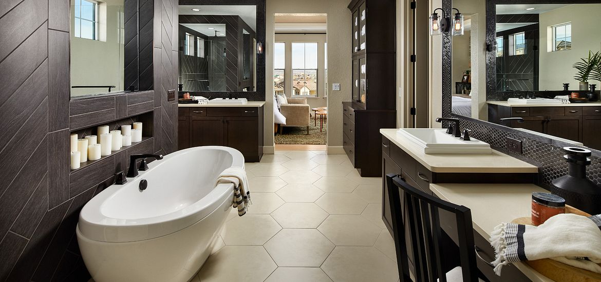 Stepping Stone Stonewalk Dahlia Master Bath