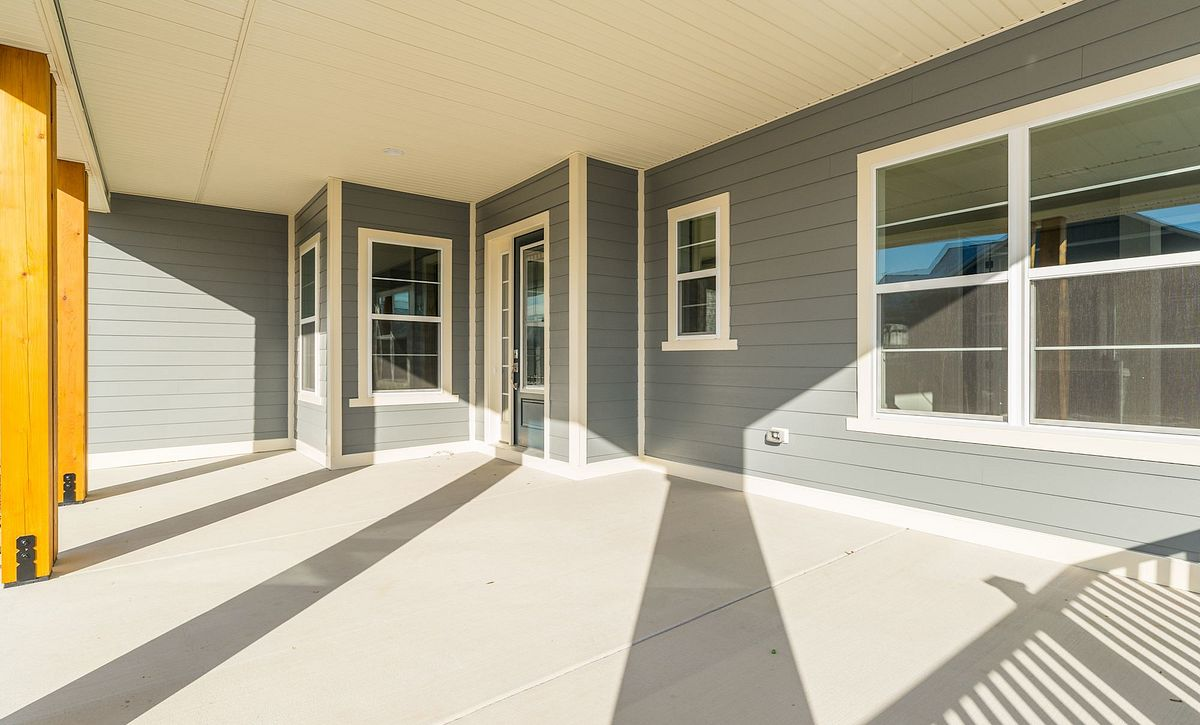 Trilogy at Lake Frederick Hensely Plan Quick Move In Front Exterior