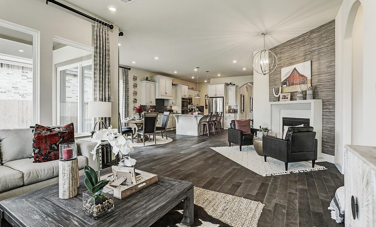 Del Bello Lakes 50 Plan 4125 Living Room
