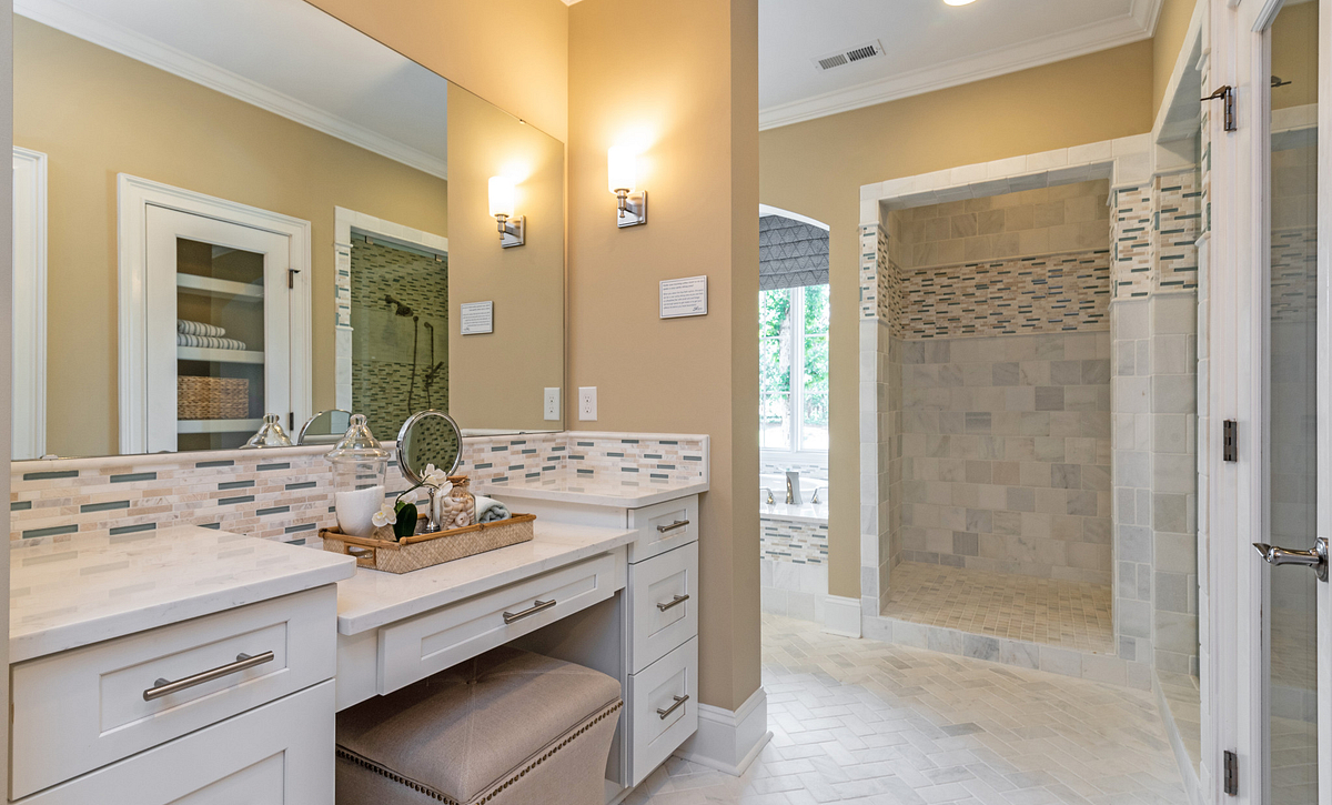 Providence plan Owner's Bath Spa option